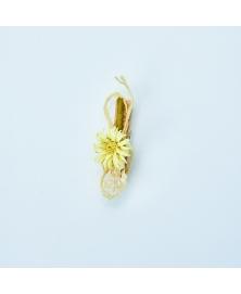 Carligel cu floare alba