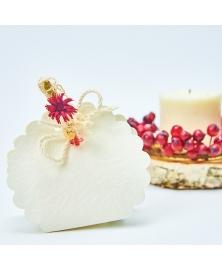 Carligel cu floare rosie
